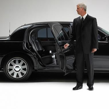 Tips For Choosing the Right Airport Limo Service